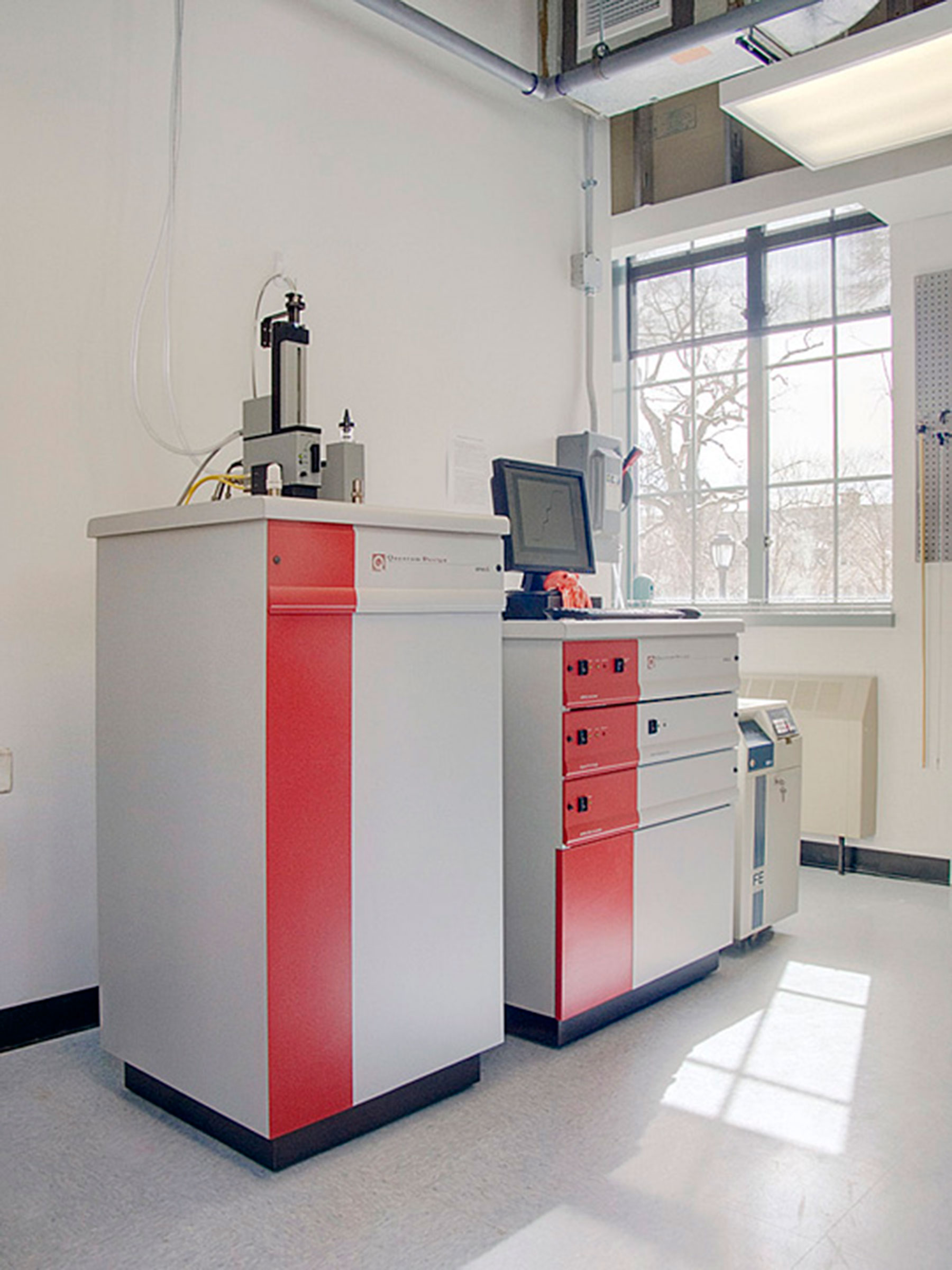 Synthetic Inorganic Chemistry Lab | Frank H  Stowell & Sons, Inc